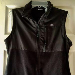 Snozu Women Black Fleece SZ 2X Vest Gently Used